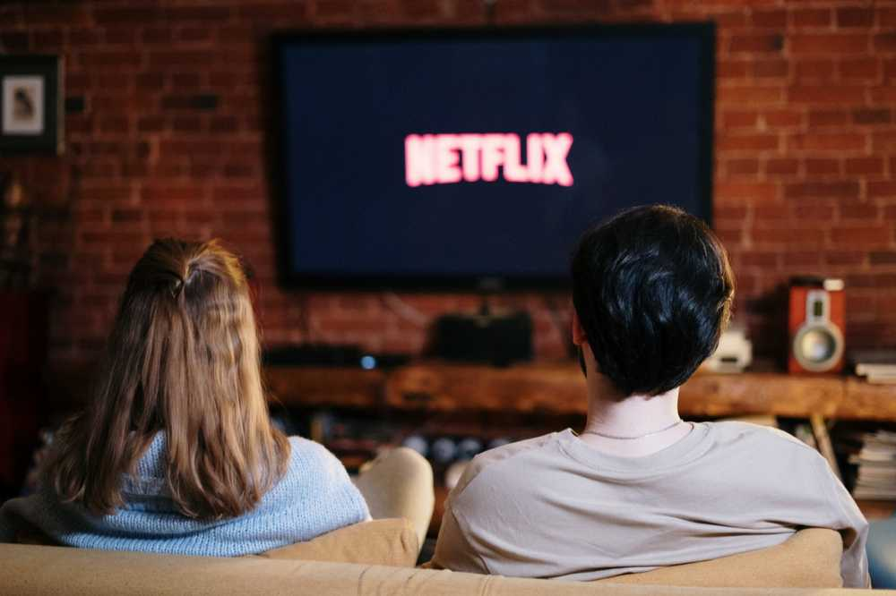 get paid watching netflix